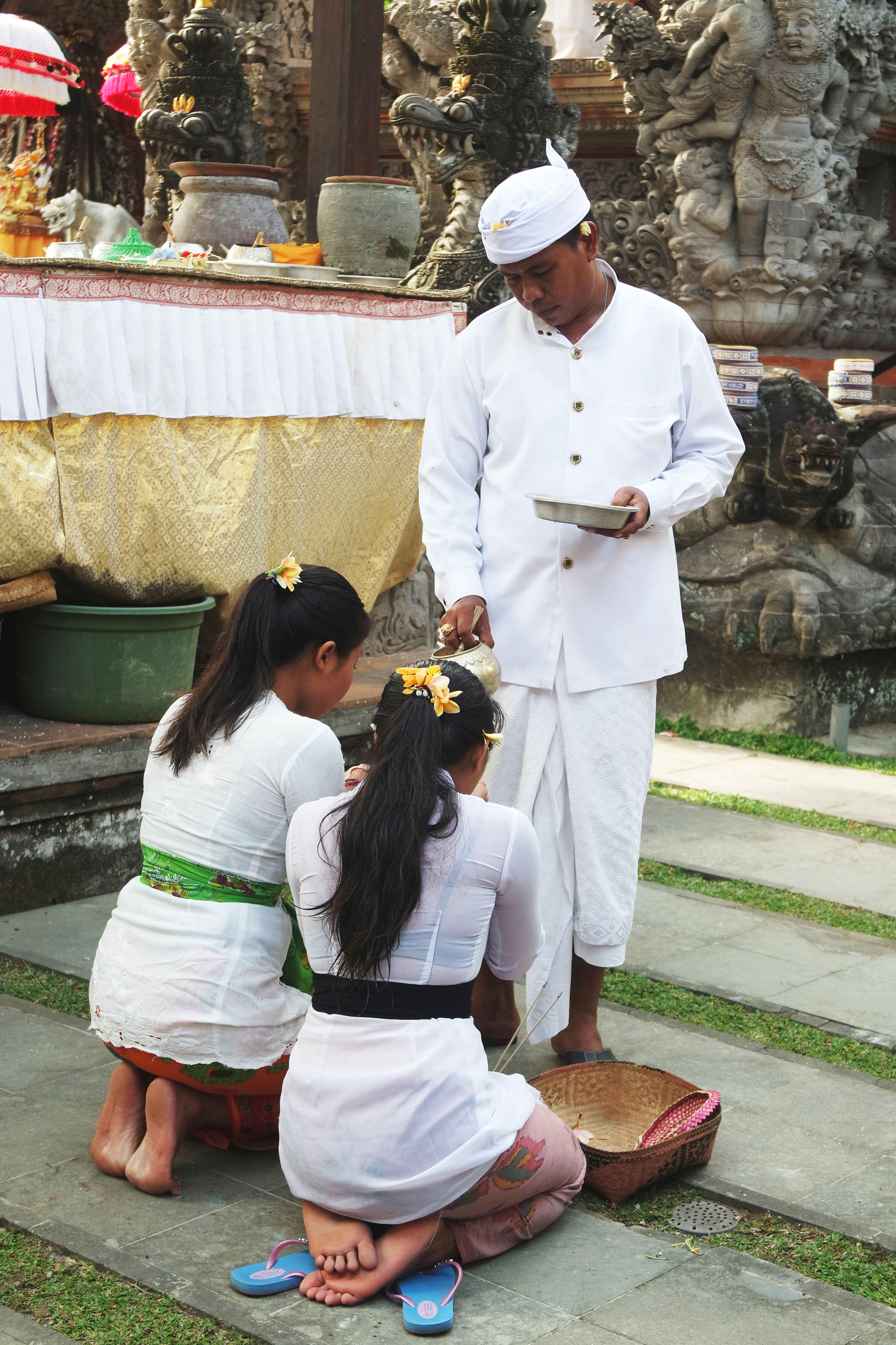 choses-à-faire-visiter-bali-ubud-blog-guide-city-ceremonie-temple-centre
