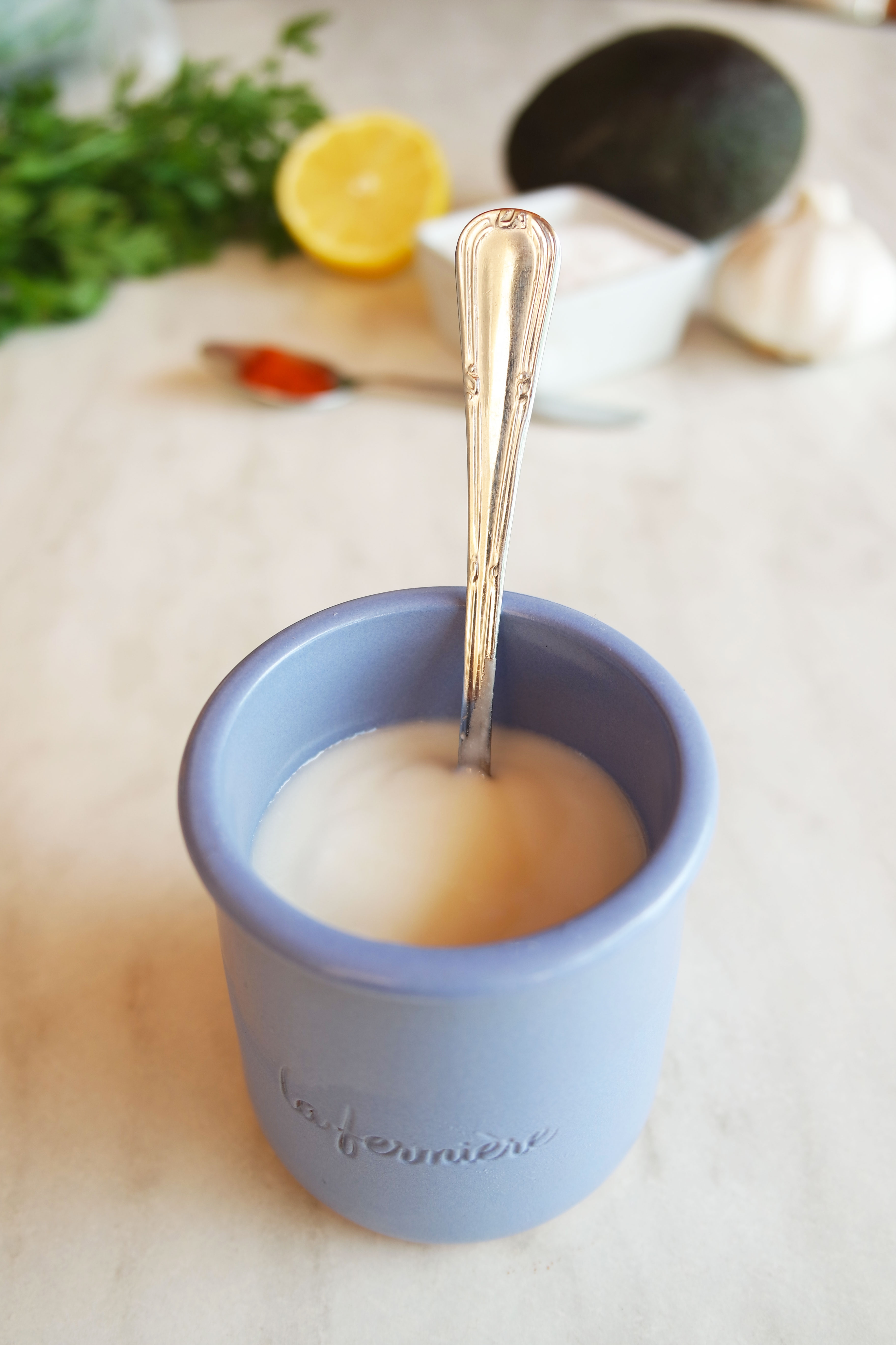 recette-facile-rapide-dip-avocat-yaourt-la-fermière-guacamole-delhaize