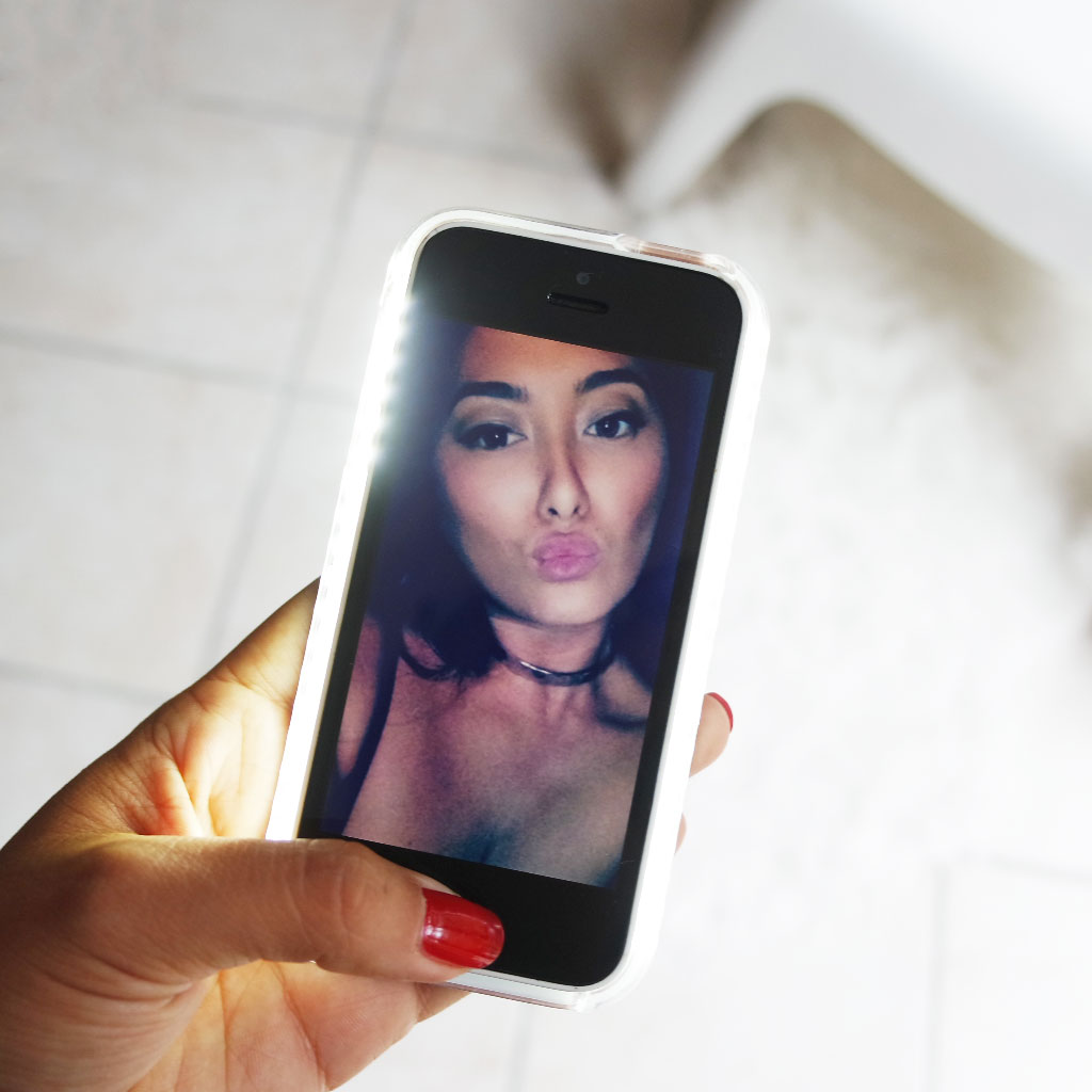 lumee-coque-kardashian-selfie-light-wahoo-blog-avis-snapchat-makeup-test-case-selfie