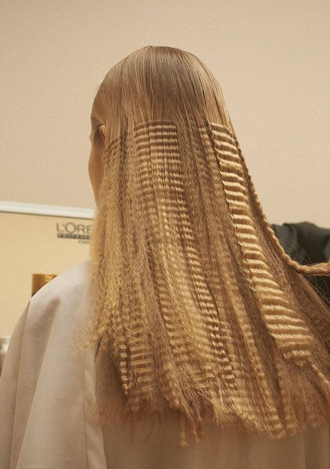cheveux-gaufres-tendance-2016-coiffure-cool-crimped-hair-as
