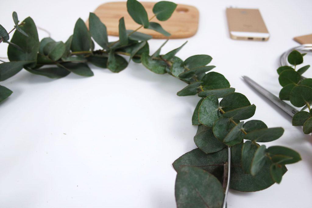 ellemixe-couronne-noël-eucalyptus-diy-demi-plan-min